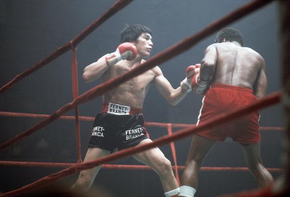 Monzon vs. Napoles - Titre WBA/WBC des Moyens - 9 février 1974 - Puteaux, Hauts de Seine (N. Leifer)