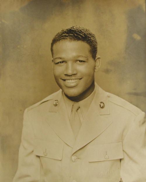 Sugar Ray Robinson à l'armée en 1943-1944 - JoSportsInc