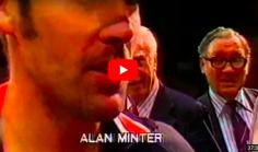 BRUTAL : Hagler atomise Minter, devient champion du monde et quitte le ring sous une pluie de projectiles