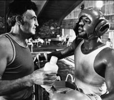 CHIC PIC #35 : Hagler & Goody Petronelli